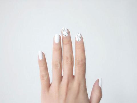 nail-art-minimal